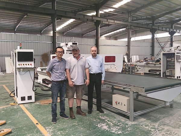 China CNC Machine Manufacturer for CNC Routers Laser Cutters Laser Engravers Plasma Cutters and Wood Lathes